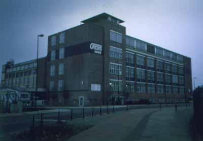 Das Goliath-Haus ist das einstige Hauptgebäude des Goliath-Werkes und befindet sich in einem guten Zustand, inkl. des Dachappartements von Carl Borgward aus unmittelbarer Nachkriegszeit. Bild: Jan Eggermann / Archiv Garage 2CV