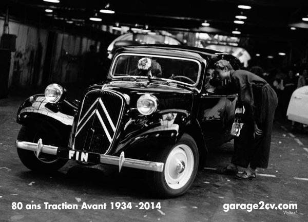 Sehr zum Leidwesen vieler Tractionisten endet im Juli 1957 mit einer schwarzen Familiale die Traction-Avant-Produktion. In Frankreich bleibt die Reihe aber noch bis in die siebziger und frühen achtziger Jahre im Straßenbild vertreten. Bild: Citroën / Archiv garage2cv