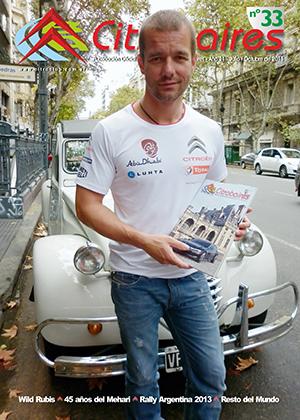 Der in Argentinien überaus  bekannte Citroën-Pilot Sebastien Loeb mit dem Clubmagazin Citrobaires. Bild: Citroën Club Buenos Aires.