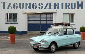 Auch mit Dachgepäckträger schön: Citroën Ami6 aus Berm auf dem ACC-Treffen in Speyer 2011