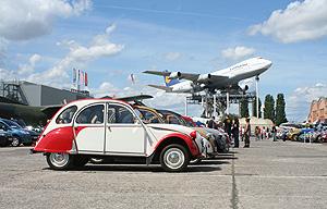 Citroën 2CV auf dem ACC-Jubiläumstreffen 2011