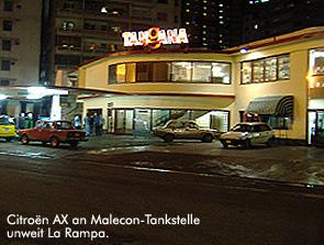 Citroën AX an Malecon-Tankstelle / Bild: Archiv garage2cv/Eggermann
