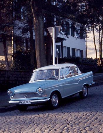 Ab 1960 firmiert die Arabella als Borgward, auf dem Typenschild steht aber weiterhin Lloyd Motorenwerke Bremen. Foto: Archiv garage2cv.de