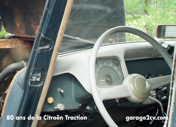 Robust: Dieser 52er befindet sich im Originalzustand mit viel Patina, erfreut sich aber ansonsten bester Gesundheit. Bild: Garage 2CV