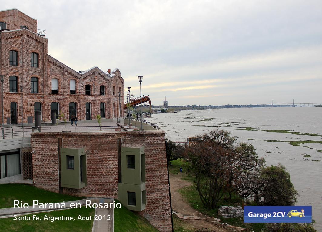 Von der Hafencity in Rosario geht der Blick auf den Rio Paraná und die eindrucksvolle Brücke nach Victoria. Bild: Jan Eggermann